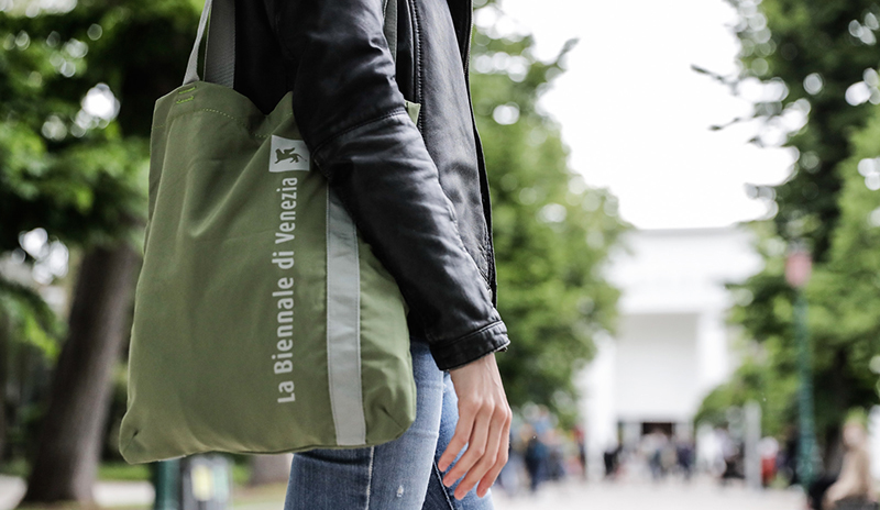 Once again this year, Tucano is the official supplier of eco-friendly shoppers for Venice's Biennale